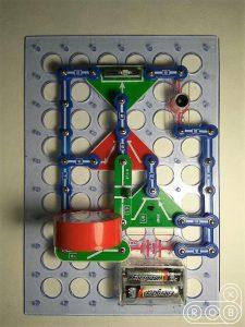 Электронная цепь на конструкторе Знаток с динамиком
