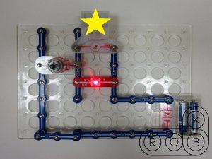 Электронная цепь на конструкторе Знаток. Задачка с гальванометрами №1