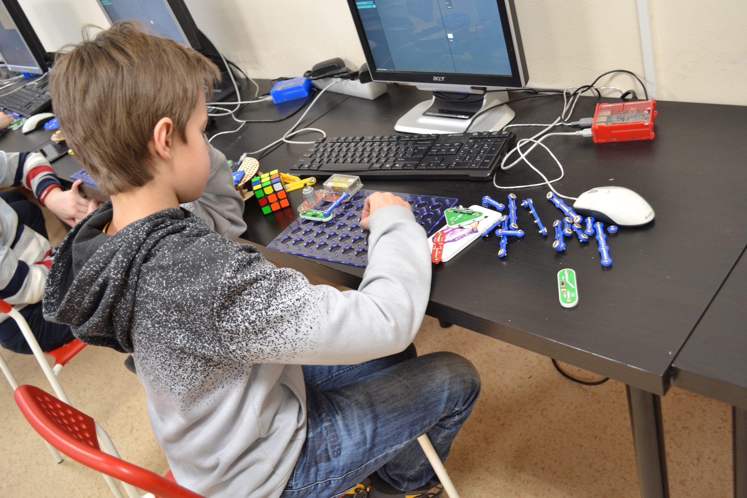 От 3 до 7 лет: когда пора заниматься робототехникой?